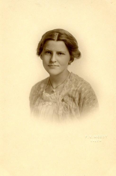 Women Helen Hagar