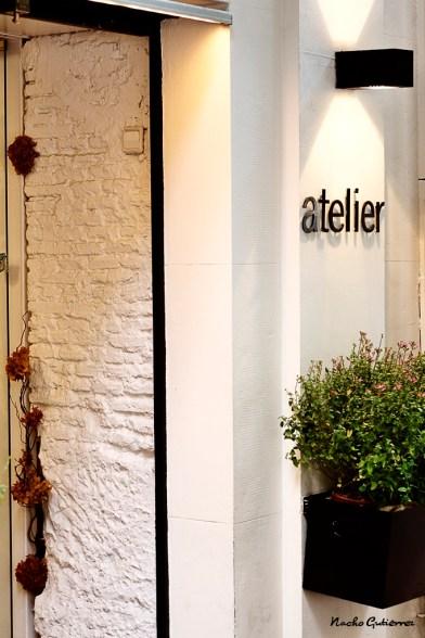 Atelier Concept - La entrada, siempre con flores