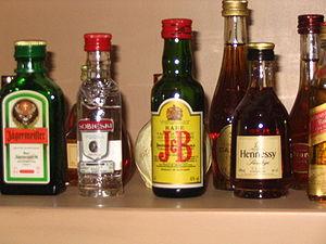 العربية: مجموعة مشروبات كحولية. Català: Divers...