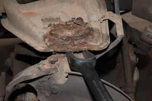 07.The upper joint is first. Here we used a pickle fork to separate it since we are not reusing the ball joint.