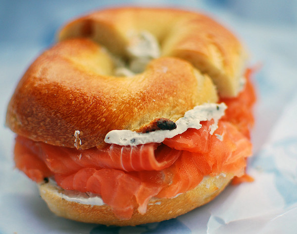 How to eat a bagel like a New Yorker: A bagel manifesto