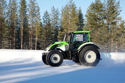 Юха Канккунен - рекорд мира по скорости трактора на снегу