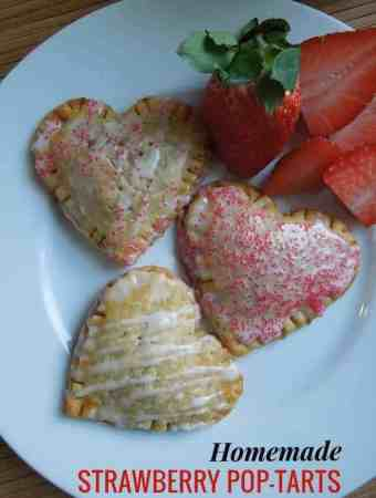 Homemade Strawberry Pop-Tarts