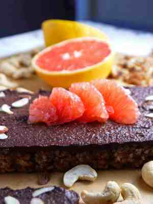 No-Bake Raw Chocolate Grapefruit Tart with Nut Crust