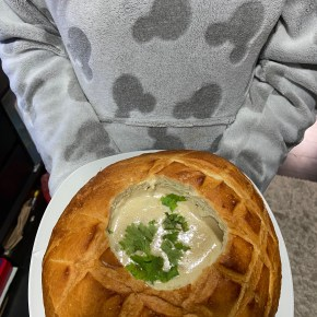 Spur dough bread bowl
