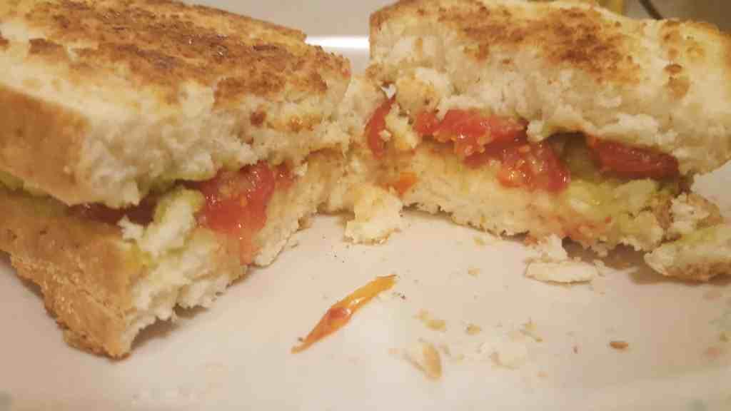 avocado tomato sandwich