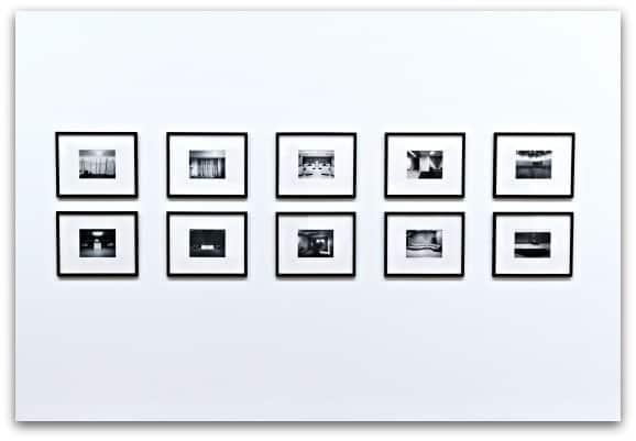 Displaying photos 2-2