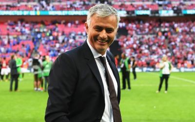 Football icon urges Manchester United star to respect Jose Mourinho