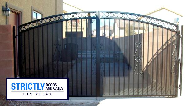 Las Vegas Rolling Gates  Sliding Gates Company  Strictly