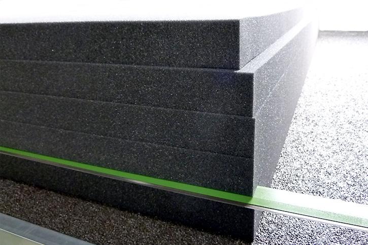 防音対策に使用するカームフレックスF-2吸音材・防音材