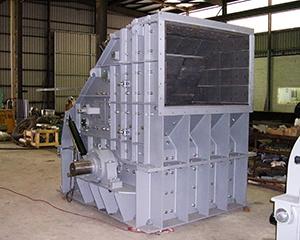 Striker crushing and screening Bare Impactor