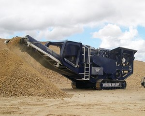 Striker crushing and screening HDT807