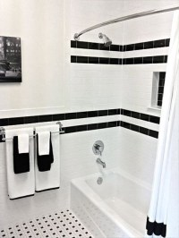 black and white bathrooms - string & scissors
