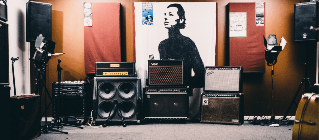 Use multiple amps to create rich, layered guitar tones