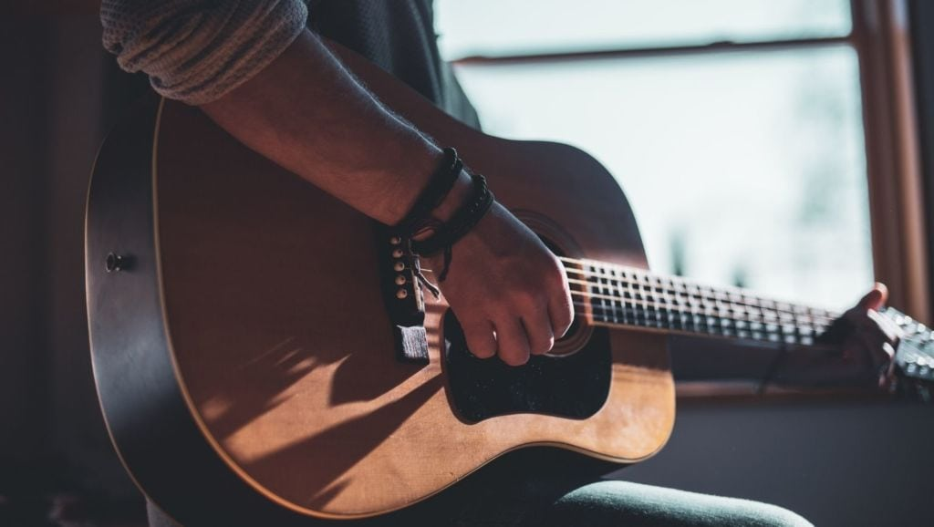 Chord Progressions: The Ultimate Guide for Songwriting