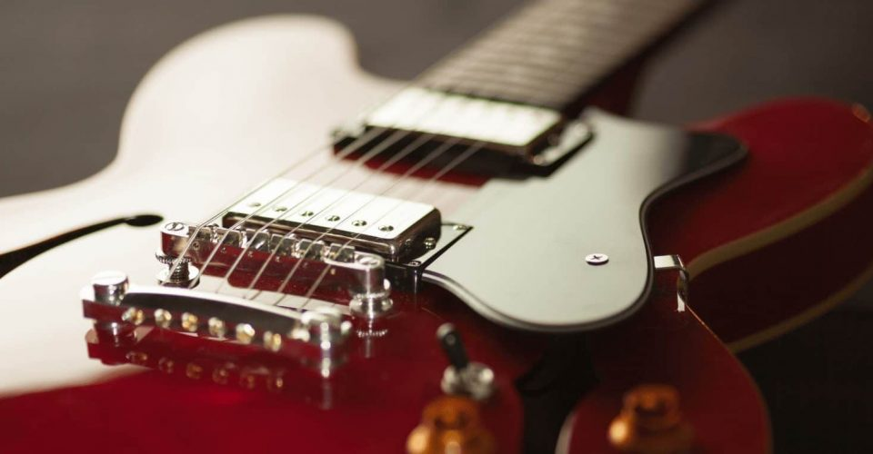 Round Core Guitar Strings vs. Hex Core Guitar Strings: Pros and Cons