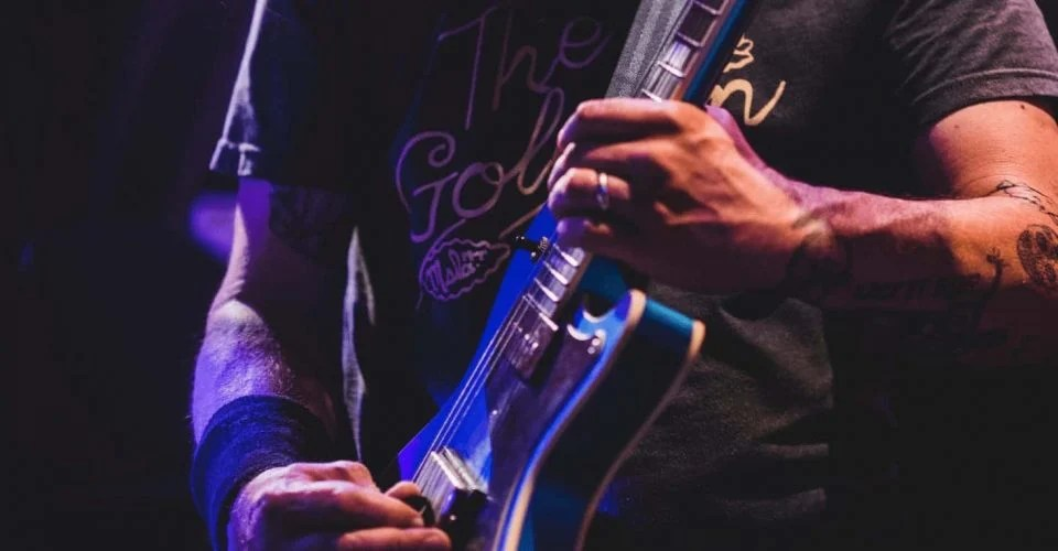 Super Light Electric Guitar Strings: In Defense of 9s