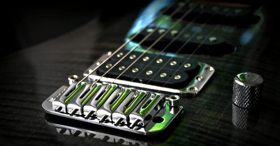 5 Reasons Why Guitar Strings Break