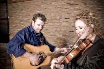 fiddler Liz Knowles and guitarist Pat Broaders