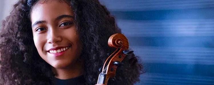 Violinist Pilar Winter Hill