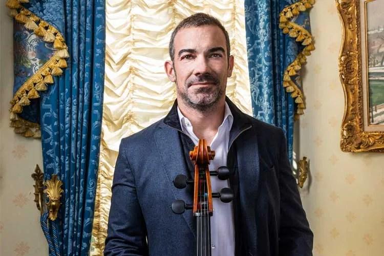 Cellist Joshua Gindele