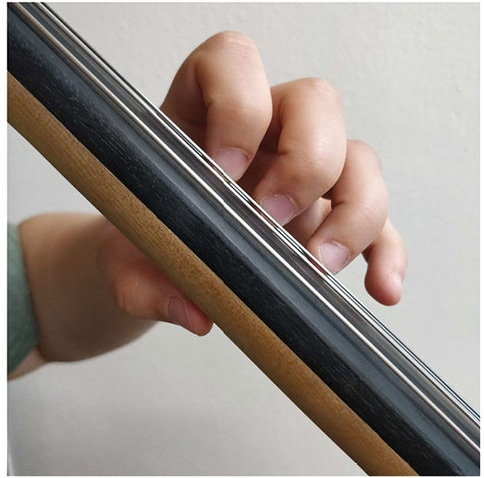 collapsing third and fourth finger on cello fig 3-3