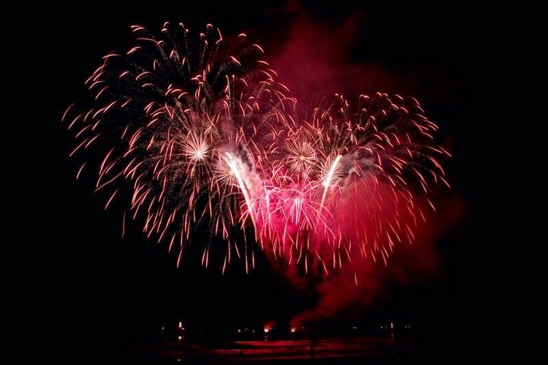 vuurwerk, vuurwerk fotograferen, vuurwerk fotograferen tips, vuurwerkfotografie, fotografie vuurwerk, 12 tips om vuurwerk te fotograferen, vuurwerkshow scheveningen, oud en nieuw vuurwerk fotografie, oud en nieuw, oud en nieuw vuurwerk, fotografie tips, fotografie tips vuurwerk,