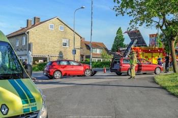 """20160530,Ystad, trafikolycka,2pb,polishuset."""" pb i olycka utanför polishuset i Ystad, 1 person i varje bil, oklart vad som orsakade olyckan, mest materiala skador enligt styrkeledaren på platsen."""
