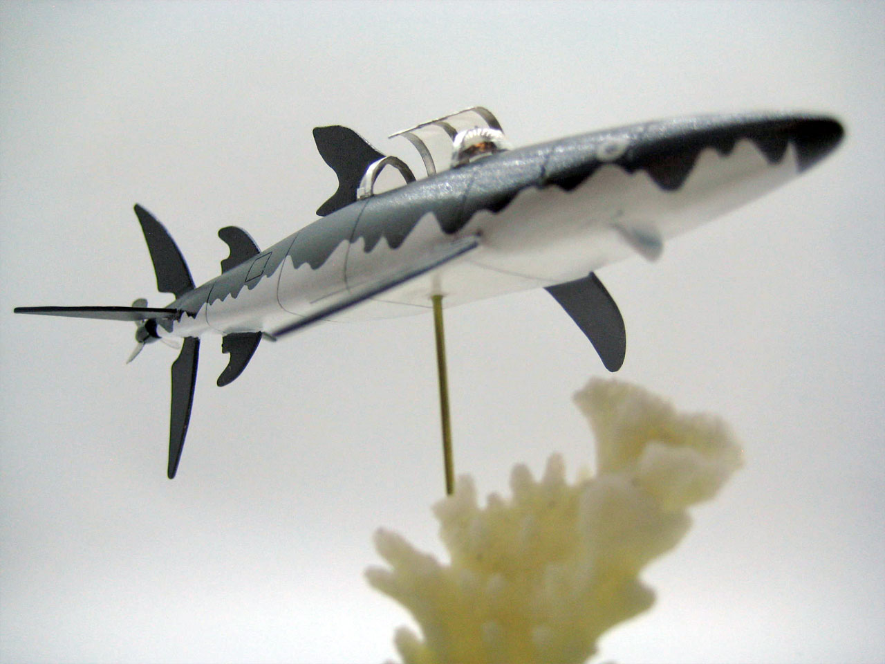 Shark Submarine (Red Rackham's Treasure) – strobez