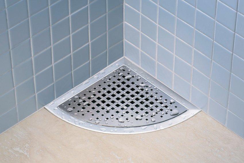 душевой трап в полу под плитку