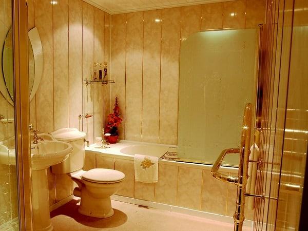 Панели в ванной
