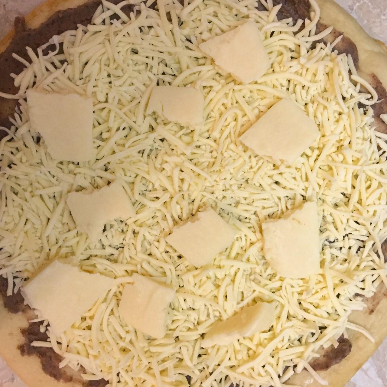 queso fundido pizza