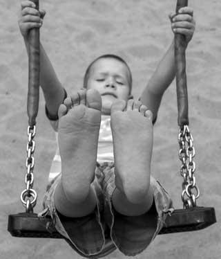 barefoot-swing