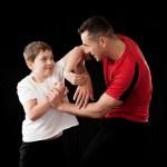 肘打ちが手技最強な根拠、前蹴りが一番実戦的な理由
