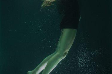 best quotes female underwater