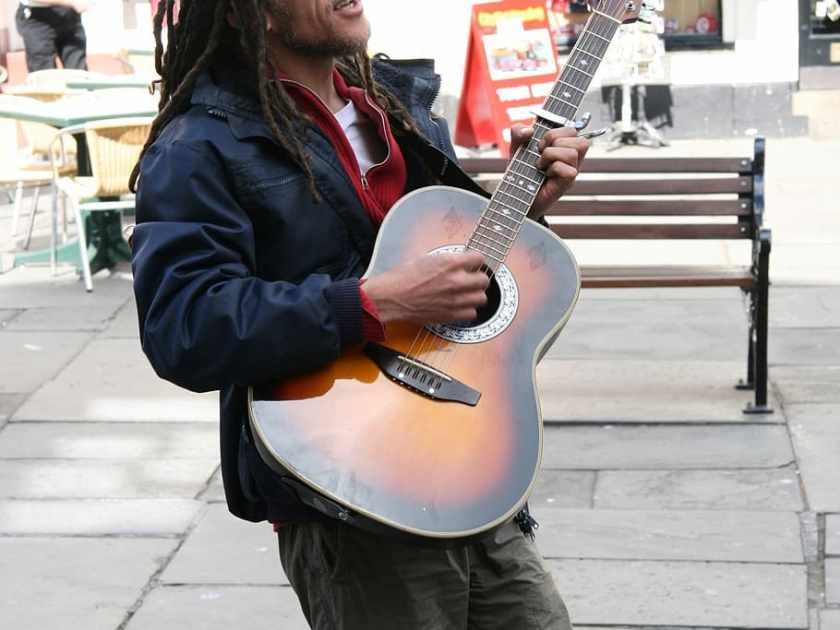 street singer with guitar