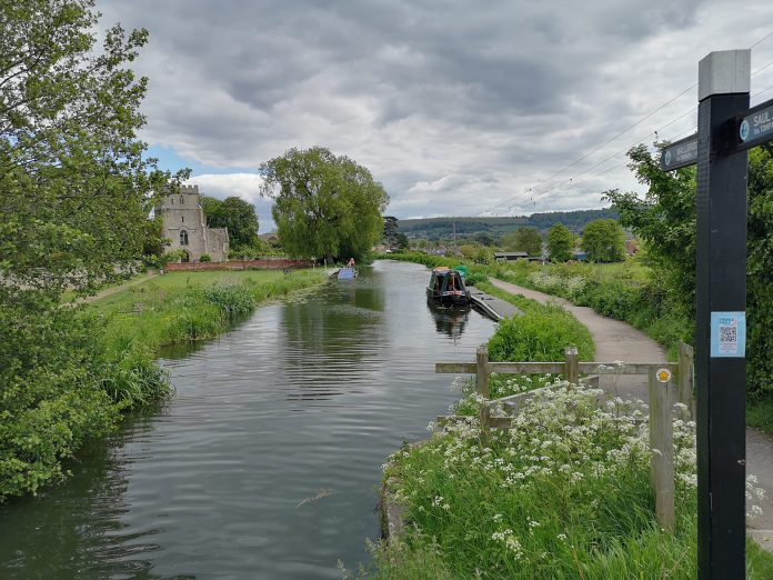 Join a guided walk along the canal to Ryeford Lock and back