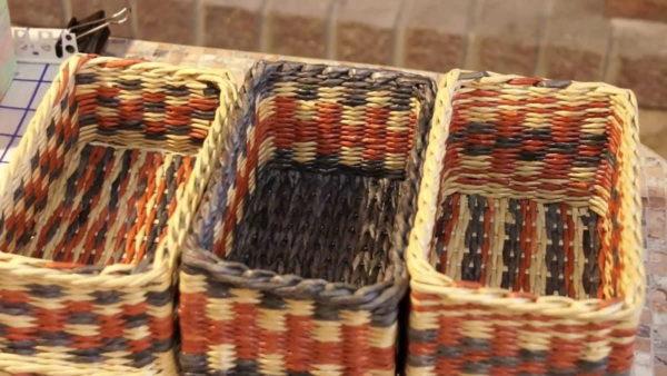 Penggunaan pelbagai corak, menjadikan bakul yang sama tidak dapat dikenali