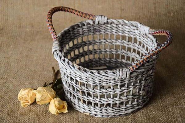Openwork Weaving dari tiub - adalah penting untuk menahan jarak yang sama