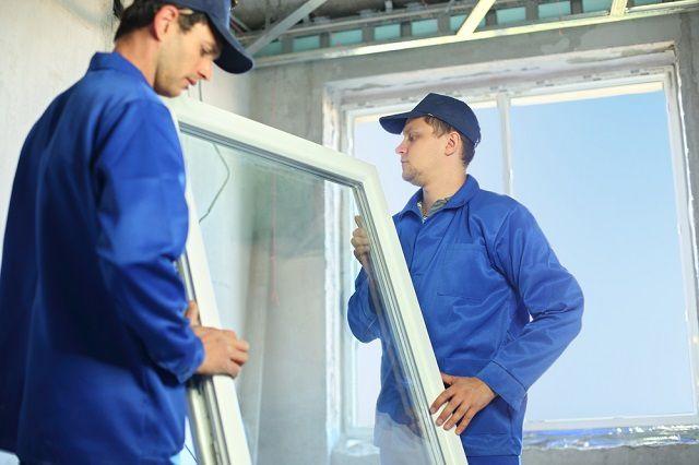 Udskift vinduer og indgangsdøre Det anbefales at stole på specialisterne.