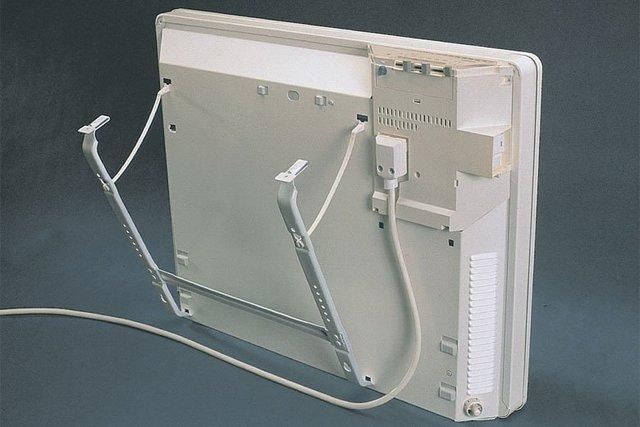 Yksi vaihtoehdoista korjata konvektin kiinnitys seinän pinnalle