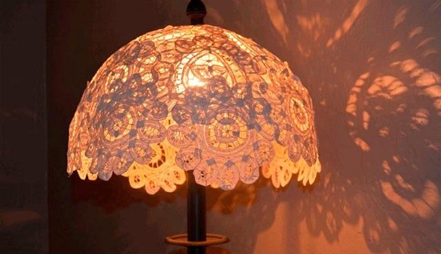 데스크탑 램프 또는 램프 용 수제 Lampshair의 옵션.