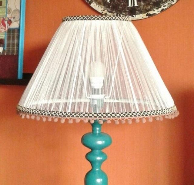 독립적 인 램프 제조를 통해 내열성 및 사용 된 재료의 점화 정도를 고려하는 것이 중요합니다.