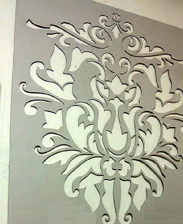 Трафарет, выполненный из картона толщиной в 2 миллиметра.