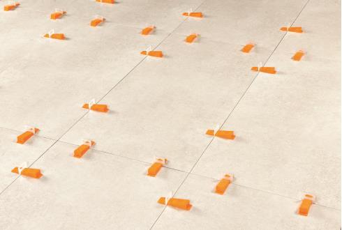 Nivelliersystem Kleber aushärten lassen