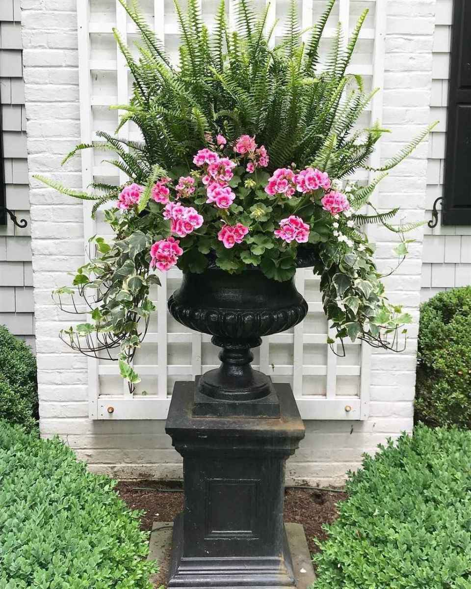 34 beautiful front yard cottage garden inspiration ideas