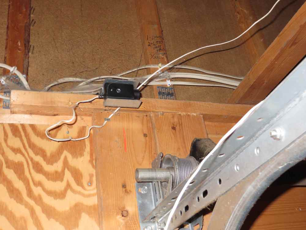 medium resolution of the most common garage door opener issues structure tech home inspections