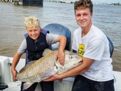 smiling-young-kids-big-drum-inshore-charter-2018
