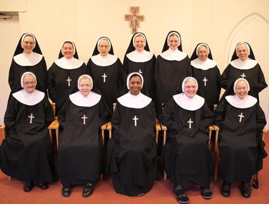 12 Anglican Nuns