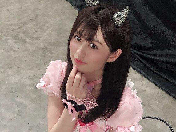 はるるん(佐野遥)のあざといオフショット💗  総選挙の開票イベント前のコンサートにて、「わるきー」の衣装を着用しました!!😈